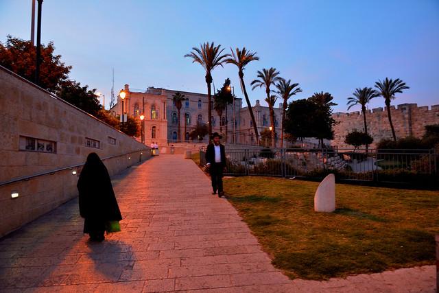 Jerusalem / Yafo street / Jaffa Gate / Each on its own / Muslim and Orthodox Jew