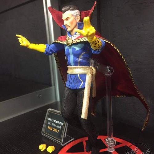 Toy Fair 2017 Mezco one12 Collective Marvel Comics 12 | by manumasfotografo