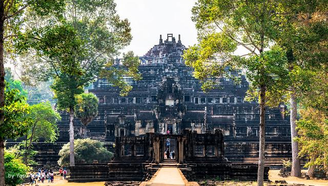 Baphuan Pyramid-style Temple, Angkor Cambodia-5a (multi-photo merge)