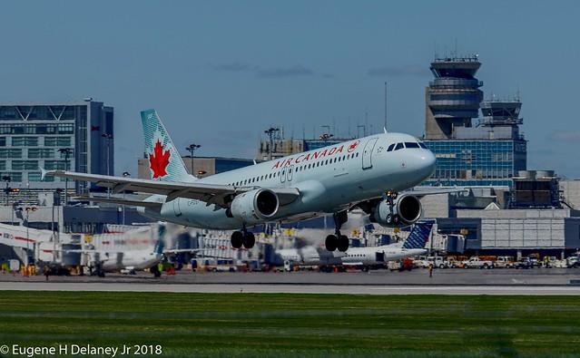 Air Canada, C-FDST, 1990 Airbus A320-211, MSN 127, FN 207
