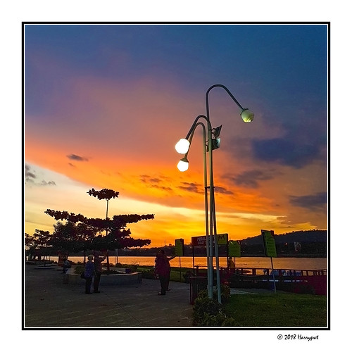 harrypwt abuja nigeria africa afrika city samsungs7 s7 goldenhour bluehour jabi lake paintinglike interesting bluesky sunset borders framed