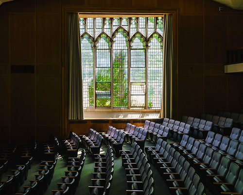 a7rii august architecture beautiful composition color dof depthoffield 35mm wideangle ete fullframe frame green geometric geometry gmaster illuminated leadinglines light lines leading leaves auditorium englishdepartment englishdept mirrorless mccosh mccoshhall mccoshauditorium mccoshhallauditorium mccoshhallprincetonuniversity negativespace peaceful pov pointofview pattern quiet tranquil repetition sony sonya7rii season tree university princetonuniversity vantagepoint viewpoint vivid view sony163528 gmaster163528 sony1635 1635mm sun sunlight academic ivyleague newjersey zoom
