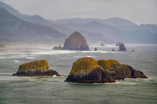 oregon usa cannonbeach beach playa piedras rocas rocks haystack sea mar unitedstatesofamerica estadosunidos america northwest noroeste pacific pacifico