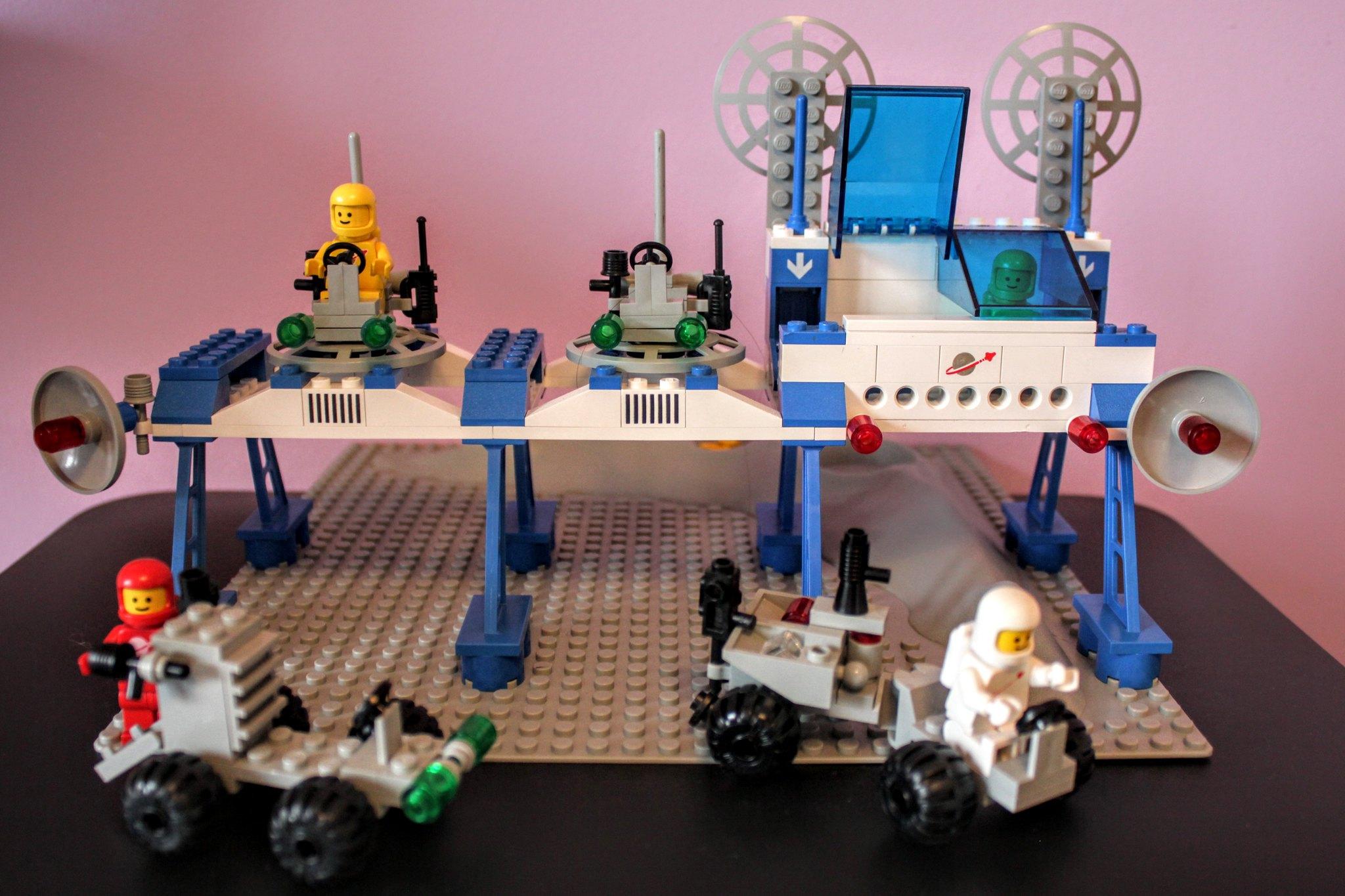 6930_SpaceSupplyStation