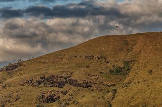 Montanha e paraglider