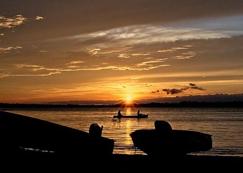 michaelkoole d300 nikon nikkor 35mmf2d muskallongelake upperpeninsula michigan sunset canoe water lake silhouettes clouds
