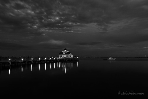 northcarolina outerbanks darecounty manteo lighthouses atlanticlighthouses nclighthouses roanokemarsheslight screwpilelighthouses replicalighthouses piersdocks bays shallowbagbay clouds dusk reflections bw march2017 march 2017 sigma2414art