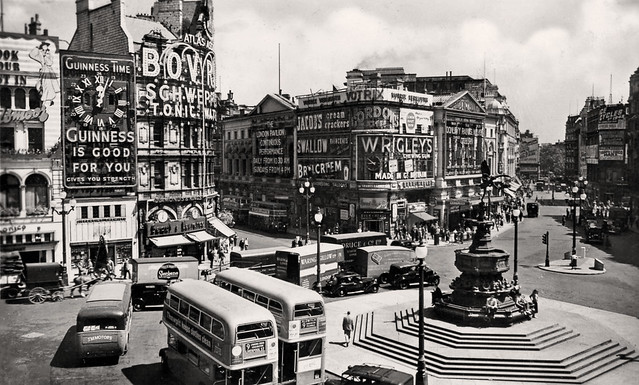 Piccadilly Circus: 1949