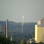 Halde Hoppenbruch mit Windenergieanlage in Herten von der Schurenbachhalde aus gesehen - die Entfernung zur Windkraftanlage auf der Halde Hoppenbruch beträgt aus circa elf Kilometer