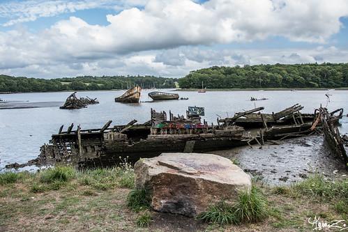 cimetière de bateaux   by azillia