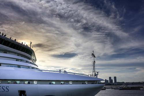 クルーズ客船 port harbor cruise yokohama japan diamondprincess 客船 ngc