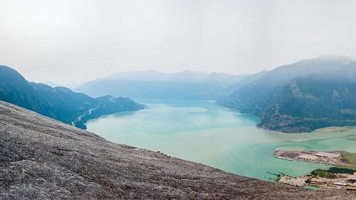 amerique vancouver paysage montagne canada america lake landscape mountain squamish colombiebritannique ca mer brouillard
