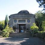 Die Nibelungenhalle in Königswinte