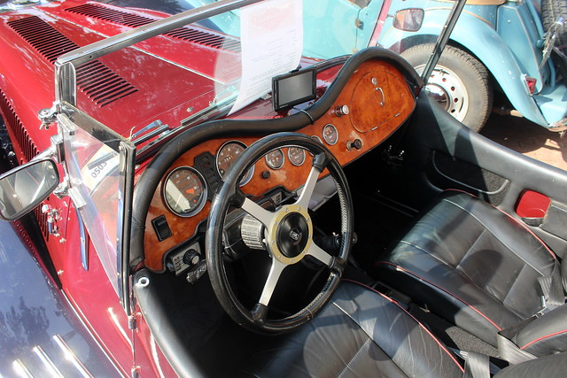 1976 Panther J72, dashboard and steering wheel