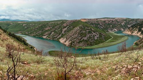 kroatien obrovac fluss zrmanja landschaft gewässer