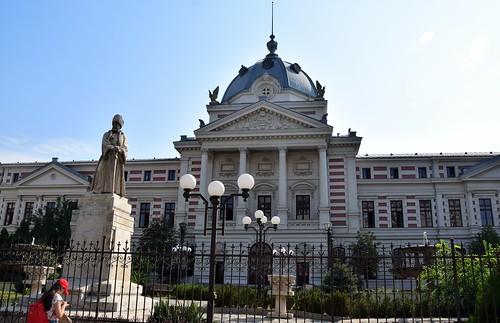 2018 bucarest rumanía românia valaquia escultura sculpture personajehistórico palace palacio