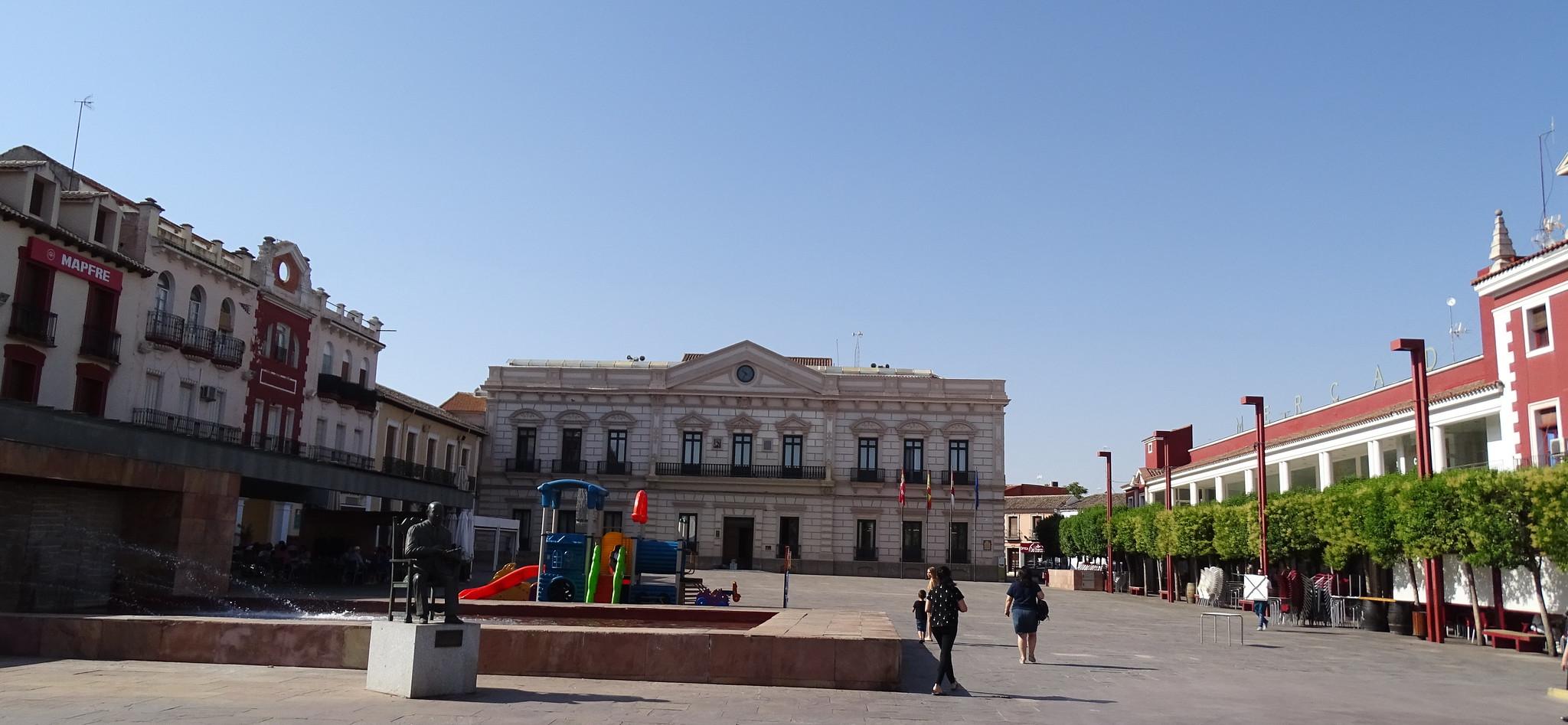 Ayuntamiento y antiguo Casino Plaza de España Alcazar de San Juan Ciudad Real