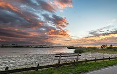 Banco al atardecer #netherlands #2018 #europe #travel #banco #atardecer #agua #nubes #skyporn #sunset #atardecer #panorama #blue #orange #sea #green