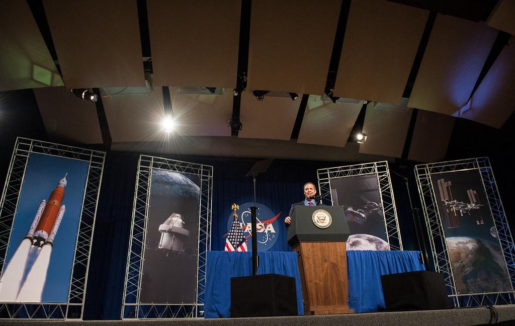 VP Pence Visits Johnson Space Center (NHQ201808230011)