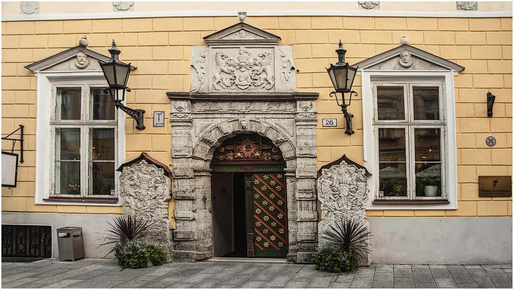 138- CASA DE LOS CABEZAS NEGRAS -TALLINNA FILHARMOONIA - TALLIN -- ESTONIA -