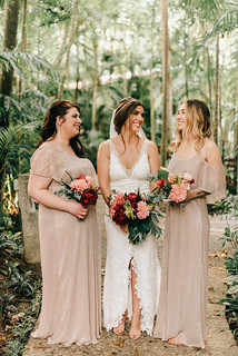 A Bride and Her Girls | by Perennial Weddings