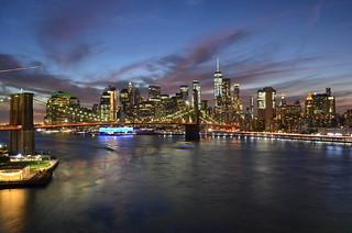Downtown Manhattan skyline from the Manhattan Bridge