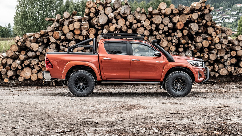 Toyota Hilux AT35 Invincible