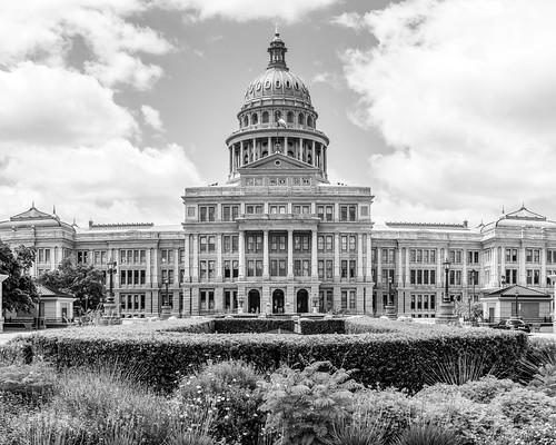 texas austin downtownaustin austintexas capitol texasstatecapitol building architecture historic atx jcutrer monochrome bw blackandwhite