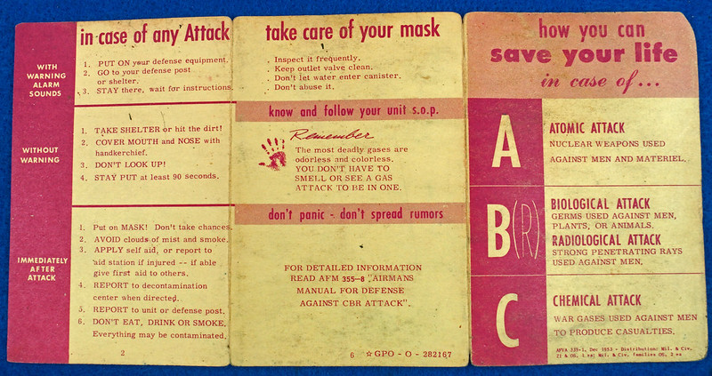 RD24430 1953 Cold War How to Save Your Life in case of Atomic, Biological Attack Pamplet DSC06900