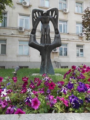 fiori monumento silistra bulgaria