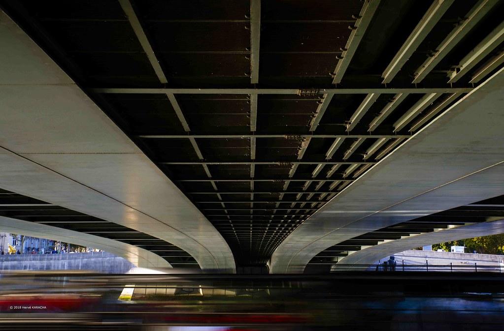 Sous Le Pont De L Alma Herve Karacha Flickr