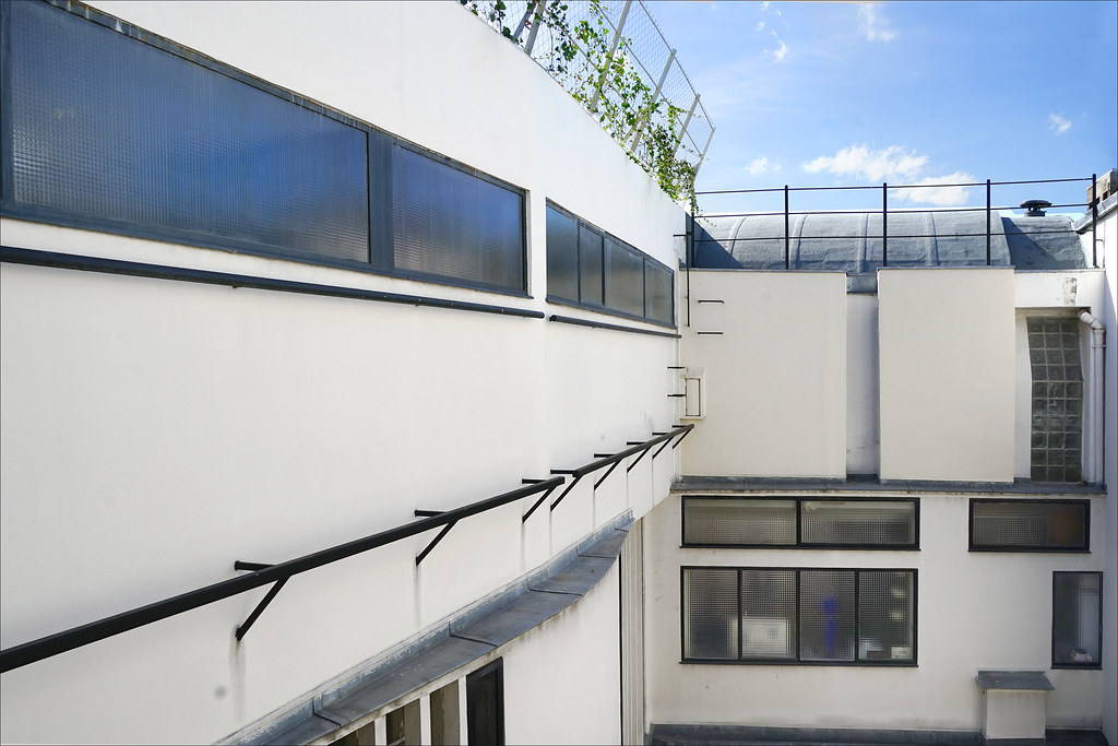 La cour intérieure de l'immeuble Molitor (Paris)