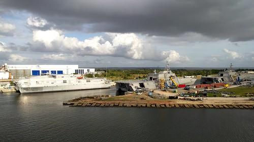 alabama mobile cruising cruise carnivalcruiseline navalship usnavy ship australshipyard littoralcombatship lcs clouds