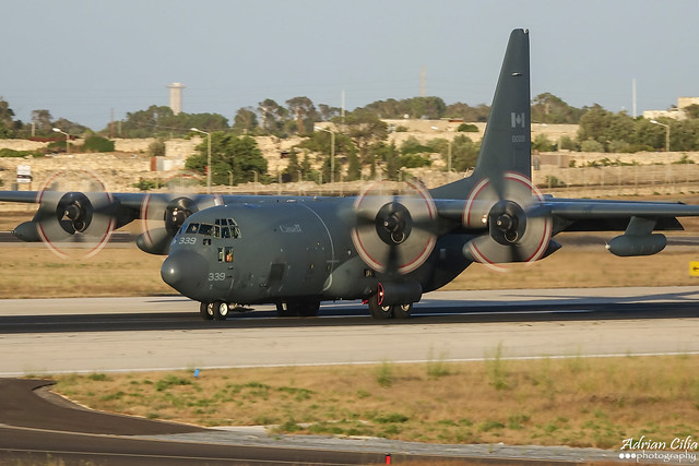 Canada Air Force --- Lockheed CC-130H Hercules --- 130339