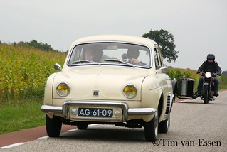 Renault Dauphine - 1959 | by timvanessen