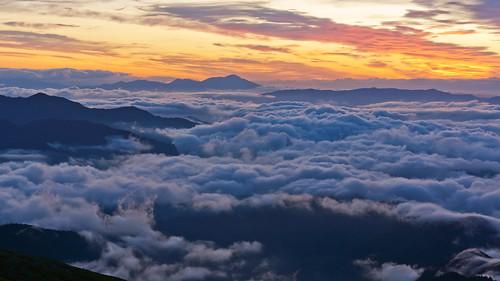morning sunrise top mountain alps japan sea cloud sunlight nagano gifu sony nex7 sel1670z 1670mm 乗鞍岳 長野 岐阜 日本アルプス 雲海