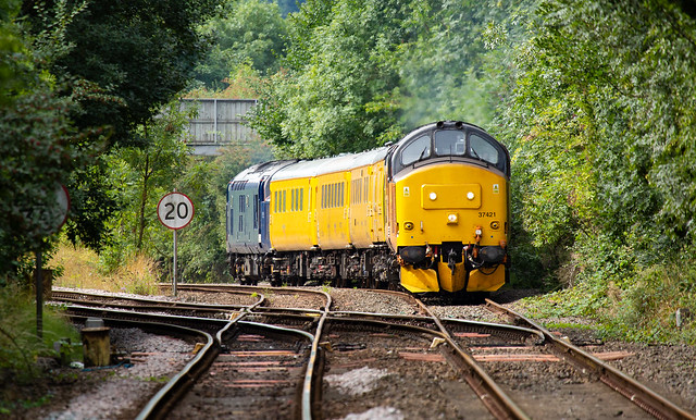 Colas Railfreight class 37/4 no 37421 approaches Kirkby-in-Ashfield Station on 20-08-2018 with a Tyseley to Neville Hill test train