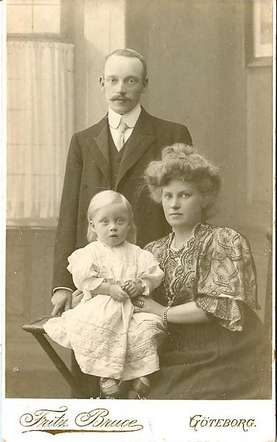 Mummy, daddy and kid