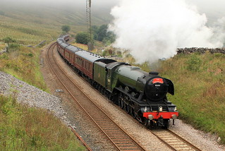 Flying Scotsman heading South - LNER Class A3 4472 Flying ...