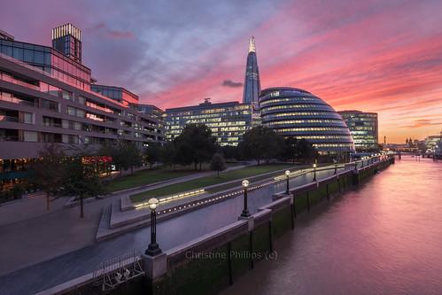 london sunset dramaticsky skyline horizontal nopeople beautiful businessandfinance sunrise christinephillips