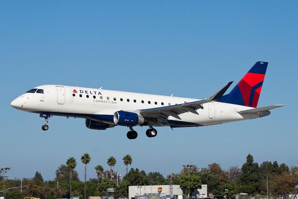 Delta Connection (SkyWest Airlines) Embraer ERJ-175 N245LR