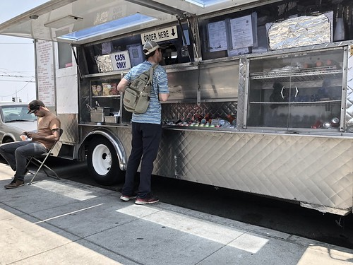 hanging out at Tacos El Flaco food truck in Dogpatch | by Fuzzy Traveler