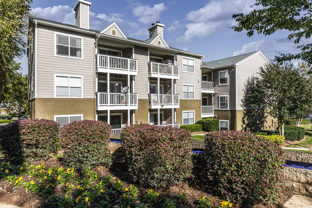 Sailpointe at Lake Norman Apartment Homes | Sailpointe at ...