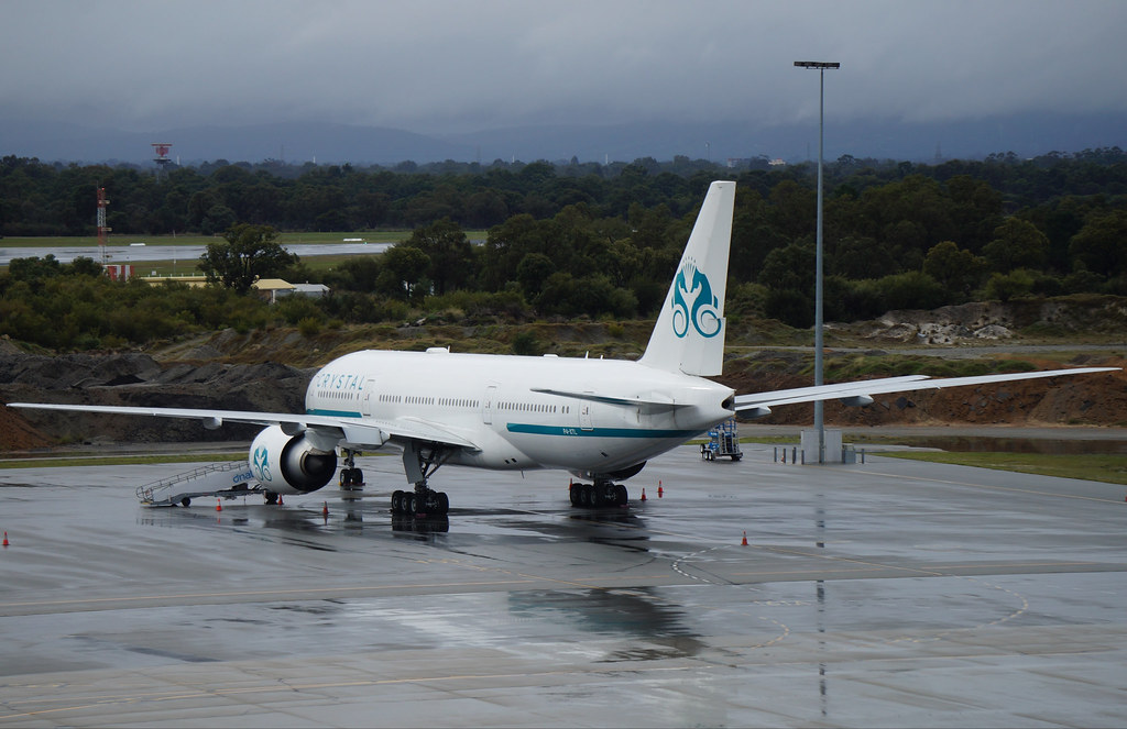 P4-XTL Crystal Luxury Air Boeing 777-29MLR | Chelsea FC's ri… | Flickr