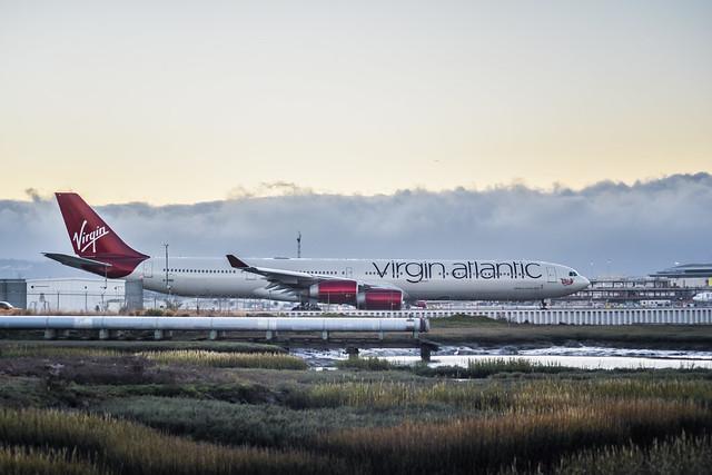 virgin atlantic taxis on closed runway 1r