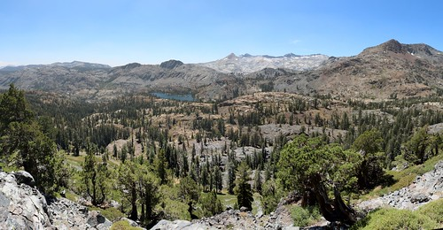 2552 Susie Lake from the PCT, with Jacks Peak (far right) and the Crystal Range in the distance to the west | by _JFR_