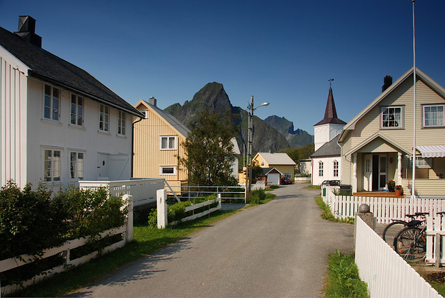 Streets of Reine