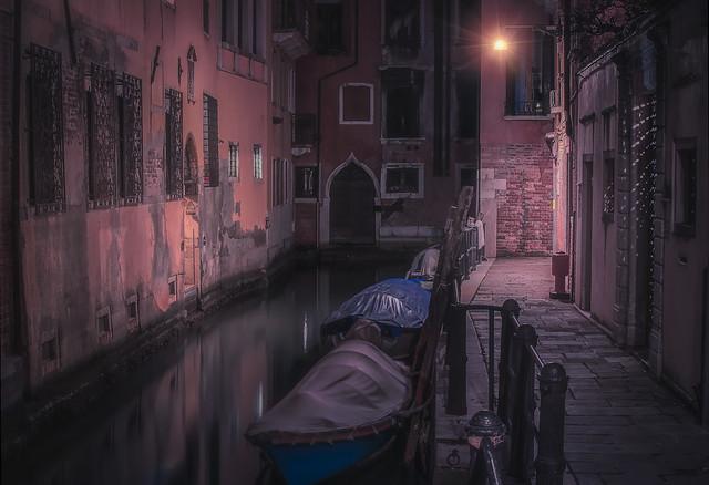 Venetian paths 108(Rio Cà Garzon)