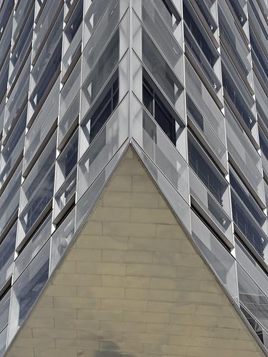krystallen copenhagen architecture building denmark scandinavia nordic city bank modern contemporary glass geometric symmetry europe lines nykredit thecrystal deconstructivism travel vertical
