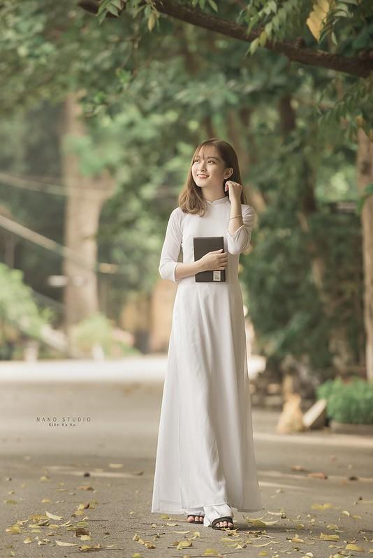 stock áo dài trắng hoàng thành